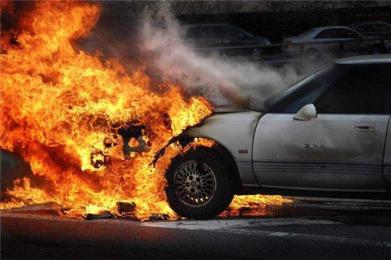 火烧车成报废车了